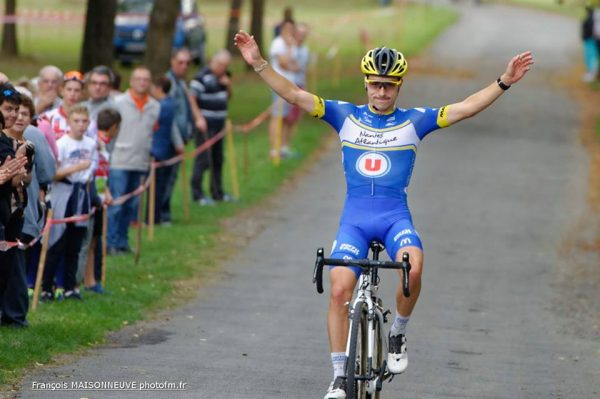 Adrien Leboucher vainqueur du cyclo-cross de Saumur
